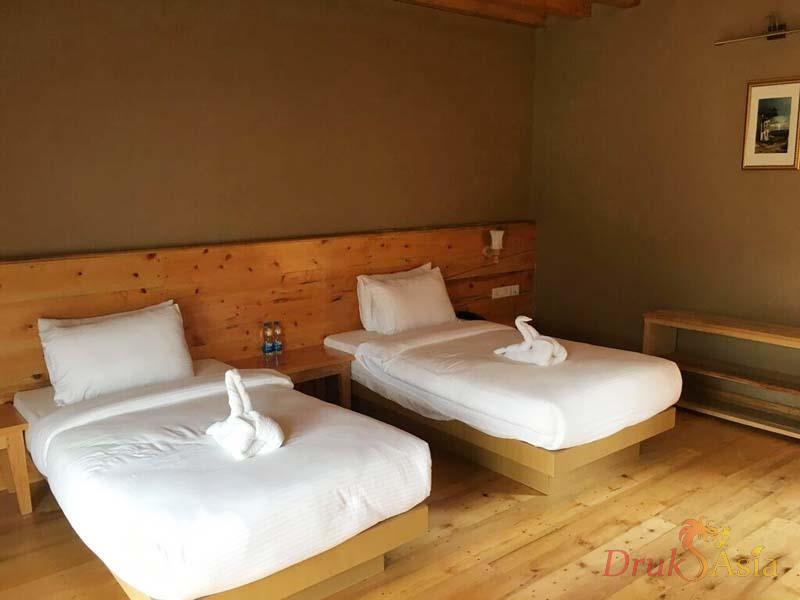 hotel-lobesa-2
