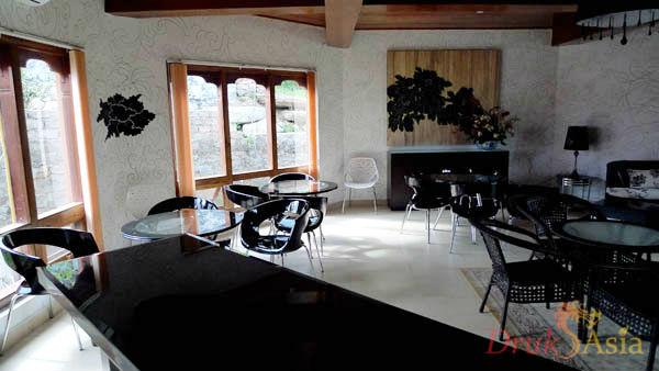 metta-resort-reception-lobby-3