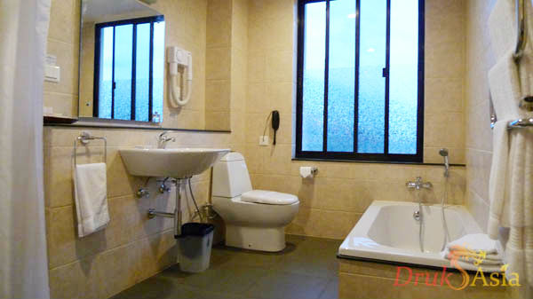 drukasia_011712_khang-residency-bedroom1