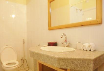 pema-karpo-bathroom-11