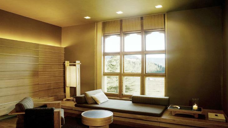 drukasia_051515_rs378_amankora-gangtey-suite-lounge-scr-min